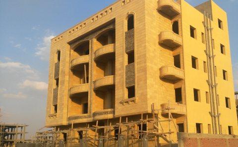 شقة للبيع في التجمع بالقرب من الجامعة الأمريكية وشارع التسعين