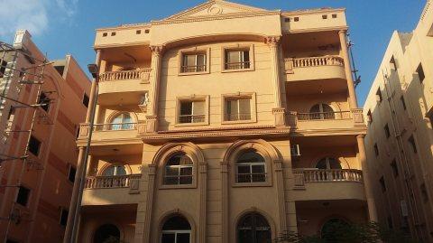 شقة 215م سوبر لوكس بعمارات البنفسج بالقرب ميدان وادى دجلة