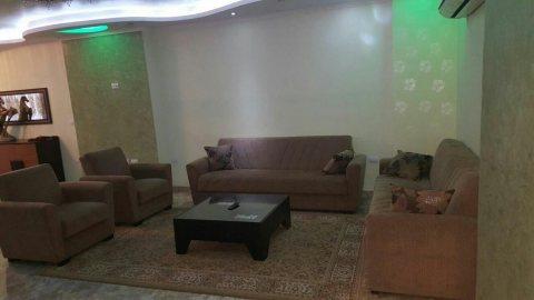 شقه مفروشه للايجار بموقع مميزبعباس العقاد500ج لليوم