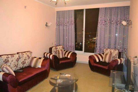 \-شقة مفروشة على ارقى مستوى بالقرب من ستارز للايجار