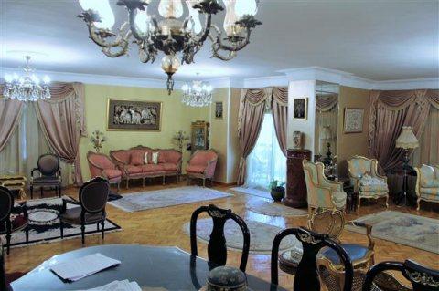 للبيع شقة 250 متر بمدينة نصر من مصطفى النحاس