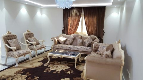 للتميز والفخامة شقة مفروشة للايجار1300ج بمكرم عبيد