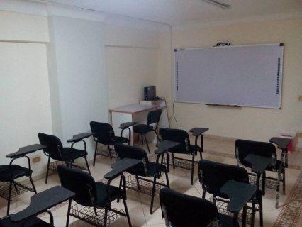 قاعة تدريب مجهزة باحدث الوسائل التعليمية للايجار