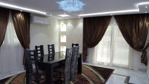 للتميز والفخامة شقة مفروشة للايجار بمكرم عبيد1300ج