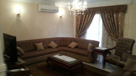 للتميز والفخامة شقة مفروشة للايجار بشارع حسنين هيكل1200ج