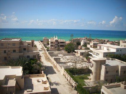 شقة علي البحر اول الساحل للبيع بفيو رائع جدا