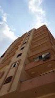 شقة بموقع متميز بشارع عين شمس الرئيسى امام كنتاكى