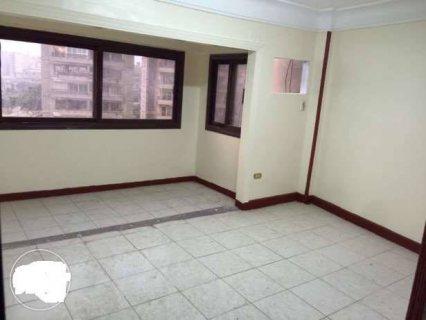 شقة بارقي مكان بشارع احمد عرابي للبيع بسعر مغري جدا
