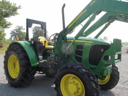 John Deere 6230 Diesel Tractor 4 X 4 With ROPS & Loader 85% Tire