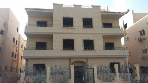 بارقى فيلات جنوب الاكاديمية شقة 200م خطوات من مسجد الشربتلى