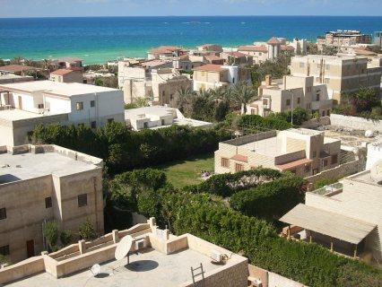 فرصة شقة علي البحر بسعر مميز جدا ومنطقة ايجارات