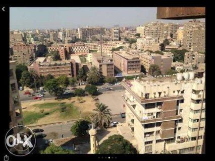 فرصة شقة للبيع بالمهندسين بشارع النيل الابيض للبيع بسعر مميز جدا