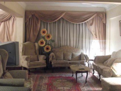 للايجار شقة مفروشة مكرم عبيد الرئيسي بموقع مميز450ج لليوم