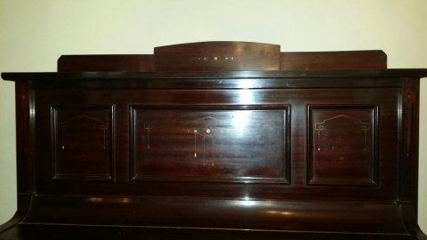 بيانو انتيكا أثري