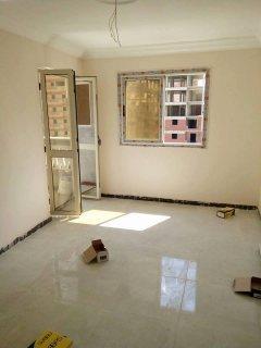 شقة في فيكتوريا ناصيه كل الغرف عالشارع 140م