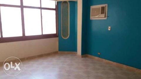 شقة في المهندسين باسراء المعلمين بمنطقة هادية وراقية جدا