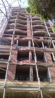 شقة للبيع في المهندسين بعمارة جديدة باقل الاسعار