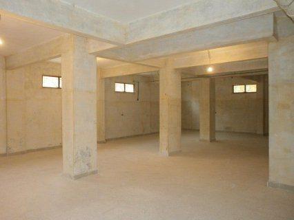 مخزن للايجار بالتجمع الخامس بمدخل خاص 140م