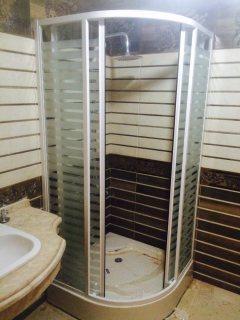 شقة للايجار فى التجمع الخامس 200 م بحرى  3 نوم وليفنج مطلوب 3500 جنية