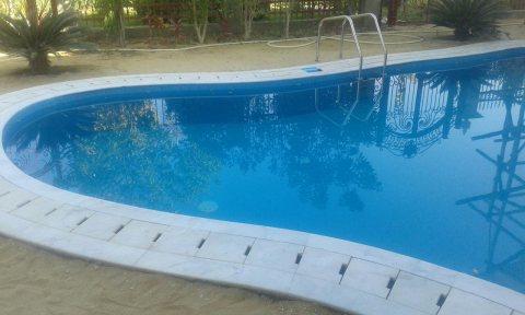 فيلتين متجاورتين للبيع فى الشروق بحمام سباحة وحديقة كبيرة جدا