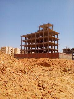 ارض واجهة  457 م قرب المنقلة