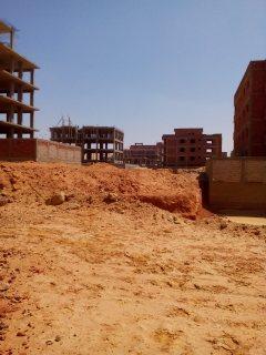 ارض التوسعات مساحتها 632م ناصية مبنى بدروم للجادى