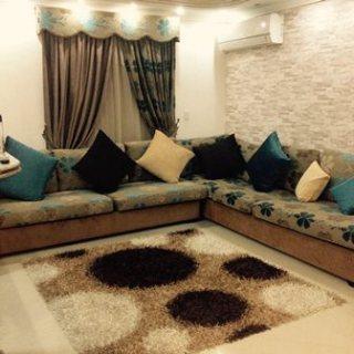 لمحبى السكن المتميز شقة مفروشة بشارع رئيسى من عباس