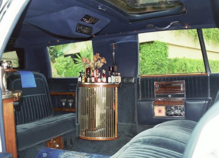 صور limousine cadillac rental for wedding 2