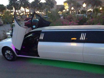 سيارة الزفاف لنكولن للايجار للزفاف و التصوير