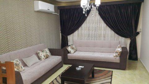 شقة مفروشة للايجار بشارع حافظ رمضان بموقع مميز بمدينة نصر