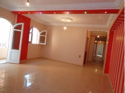 شقة مميزة للبيع بشارع المدير الرئيسي ناصية مساحتها 100 متر
