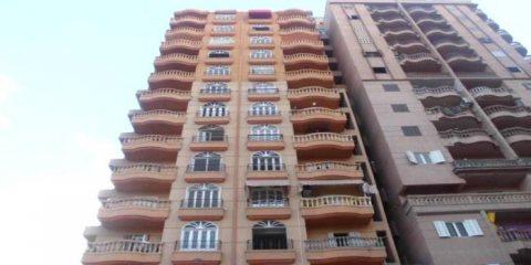 شقق مميزة للبيع وللإيجار ببرج بشارع الترعة الرئيسي بموقع متميز للغاية مساحة 165م