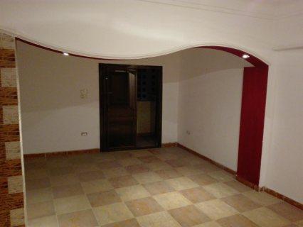 شقة مميزة للبيع بشارع الجيش الرئيسي مساحة 135 والسعر مفاجأة