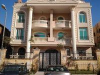 ــ ــ شقة تمليك مساحة 161 متر فى مدينة الشروق الحى الاول فيلات