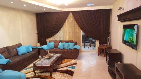 شقة مفروشة للايجار فرش فاخر داخل كمبوند في قلب مدينة نصر بجوار سيتي ستارز مباشرة