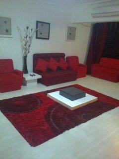 شقة مفروش بمدينة نصر منطقه هاديه بجوار الخدمات امام سيتي ستارز مباشره