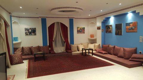 شقة مفروشة 285م اول سكن للايجار بمنطقة راقية وشارع رئيسي من مكرم عبيد مدينة نصر