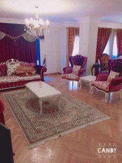 شقة مفروشة فندقية للايجار ببرج فخم بجوار سيتي ستارز واحمد فخري