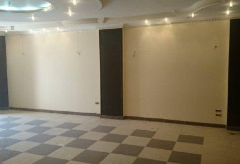 شقة للإيجار ببرج راقي بالجلاء بالقرب من بوابة الجامعة 125 م