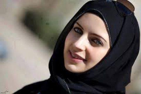 فتاة من السعودية موجودة في مصر العمر 24 سنة تبحث عن صديق يكون لها انيس
