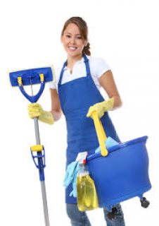 مطلوب عاملة نظافه مقيمه