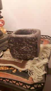 حجر قديم ..مطحنة .