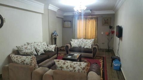 بشارع راقي بين مكرم عبيد واحمد فخري مدينة نصر