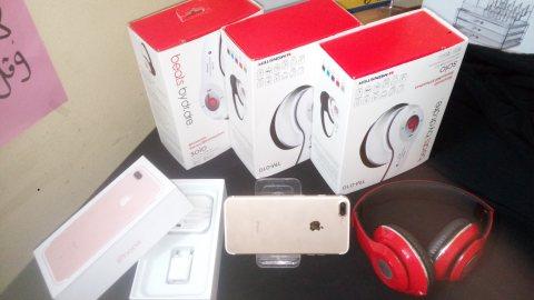 Iphone 8plus فريست كوبي ومعاه هيدفون هديه 2300