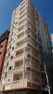 شقة 90م ب شارع عزت جلال الرئيسى استلام فوري و قسط سنتين