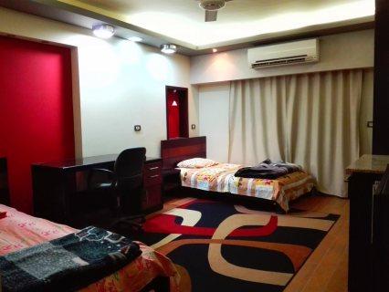 غرف للإيجار مستوى فخم موقع متميز بشقة بميدان الحصري 6 أكتوبر