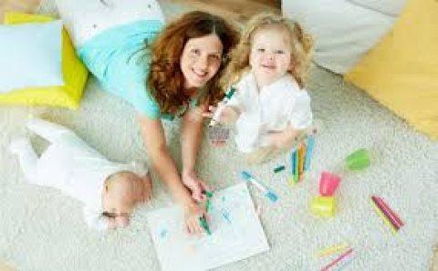 مع الوصيفة توفرلك عاملات النظافة المنزلية ومربيات الاطفال وراعيات المسنين