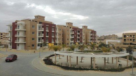 شقة 150م 3 غرف للبيع نصف تشطيب بمدينة 6 اكتوبر طريق الواحات