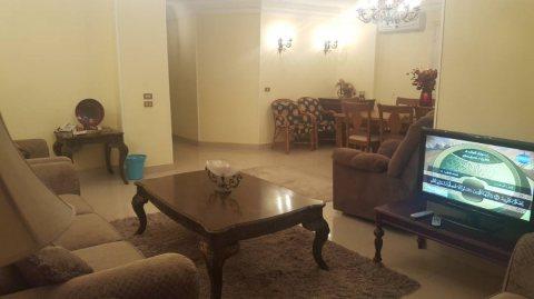 شقة مفروشة للايجار بمربع ذهبى بين عباس ومكرم