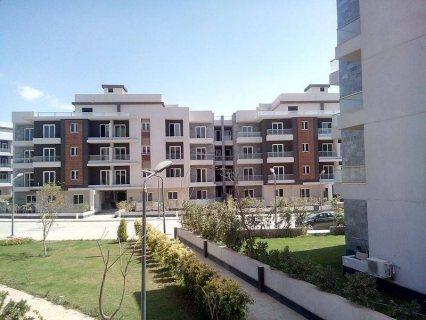 شقة نصف تشطيب ارضي بحديقة بكمبوند زايد ديونز مدينة الشيخ زايد